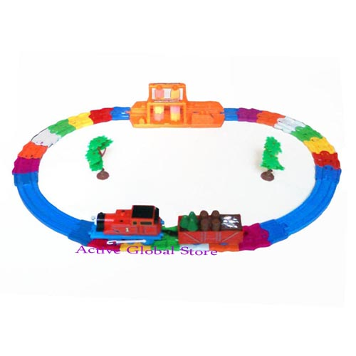 New Red Electronic Locomotive Train Vehicle Run on Track Series & Wash Car Station Toy Gift